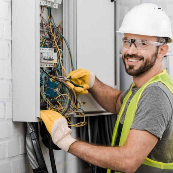 Opravár elektrikár Bratislava Domáci Opravár